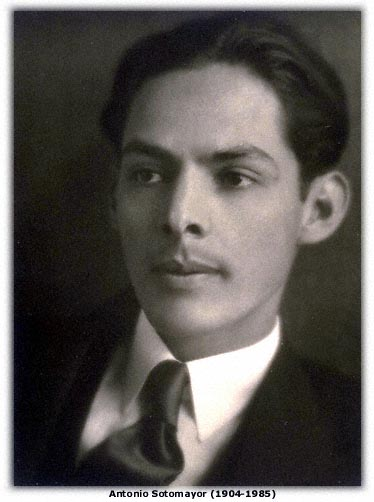 Artist Antonio Sotomayor, as photographed sometime during the 1920s